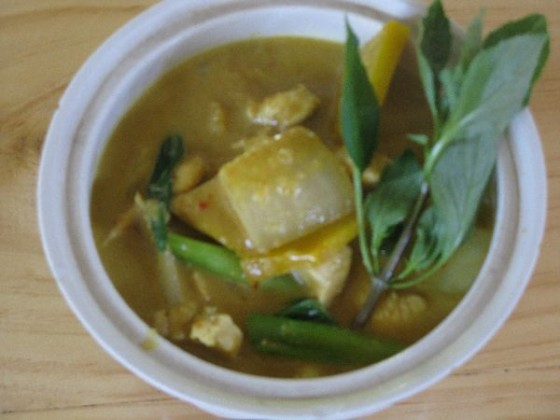 Thai farm cooking schol chicken curry