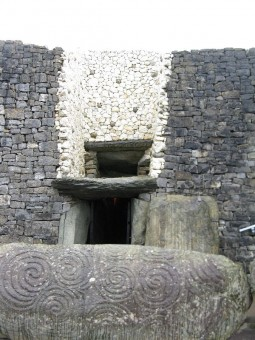 Ireland Newgrange entrance