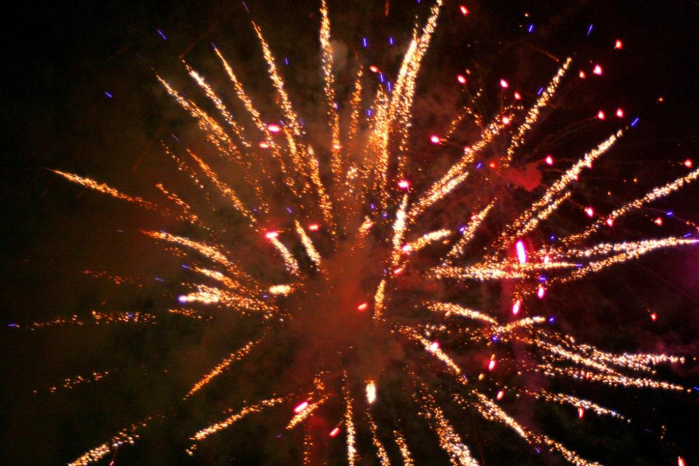Fireworks display hogmanay in edinburgh
